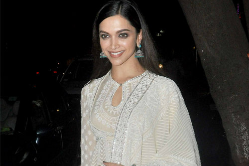 Journey Map - Deepika Padukone wearing Chikankari Embroidery