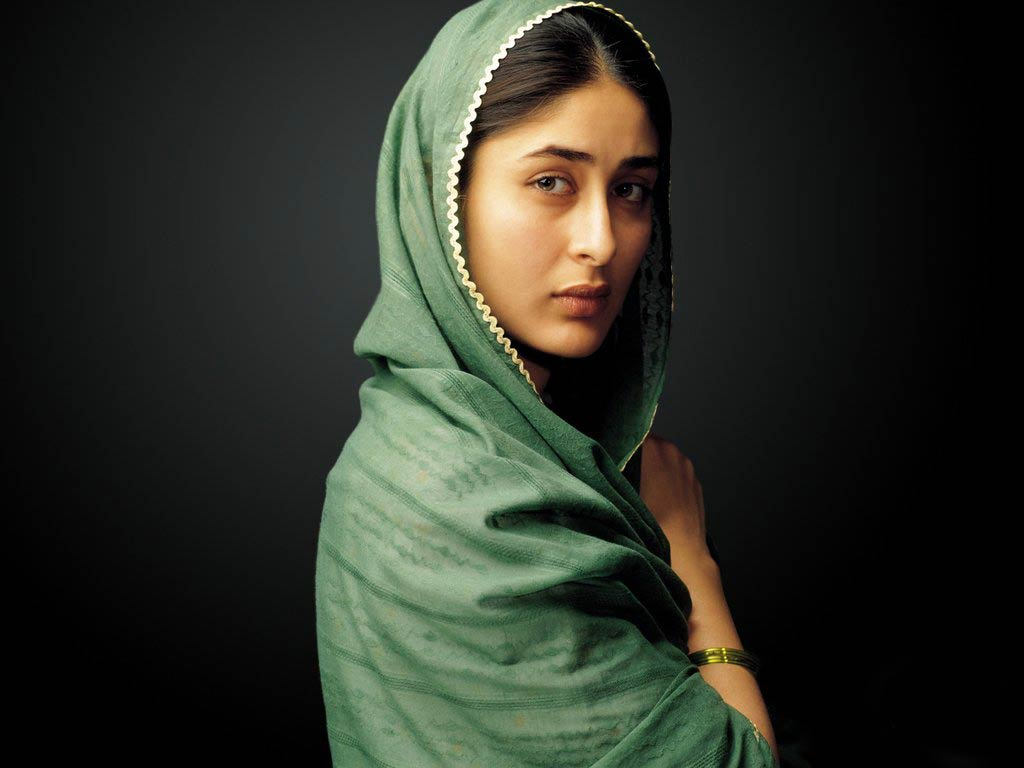 Style Evolution of Kareena Kapoor - Pre and Post Pregnancy - Refugee