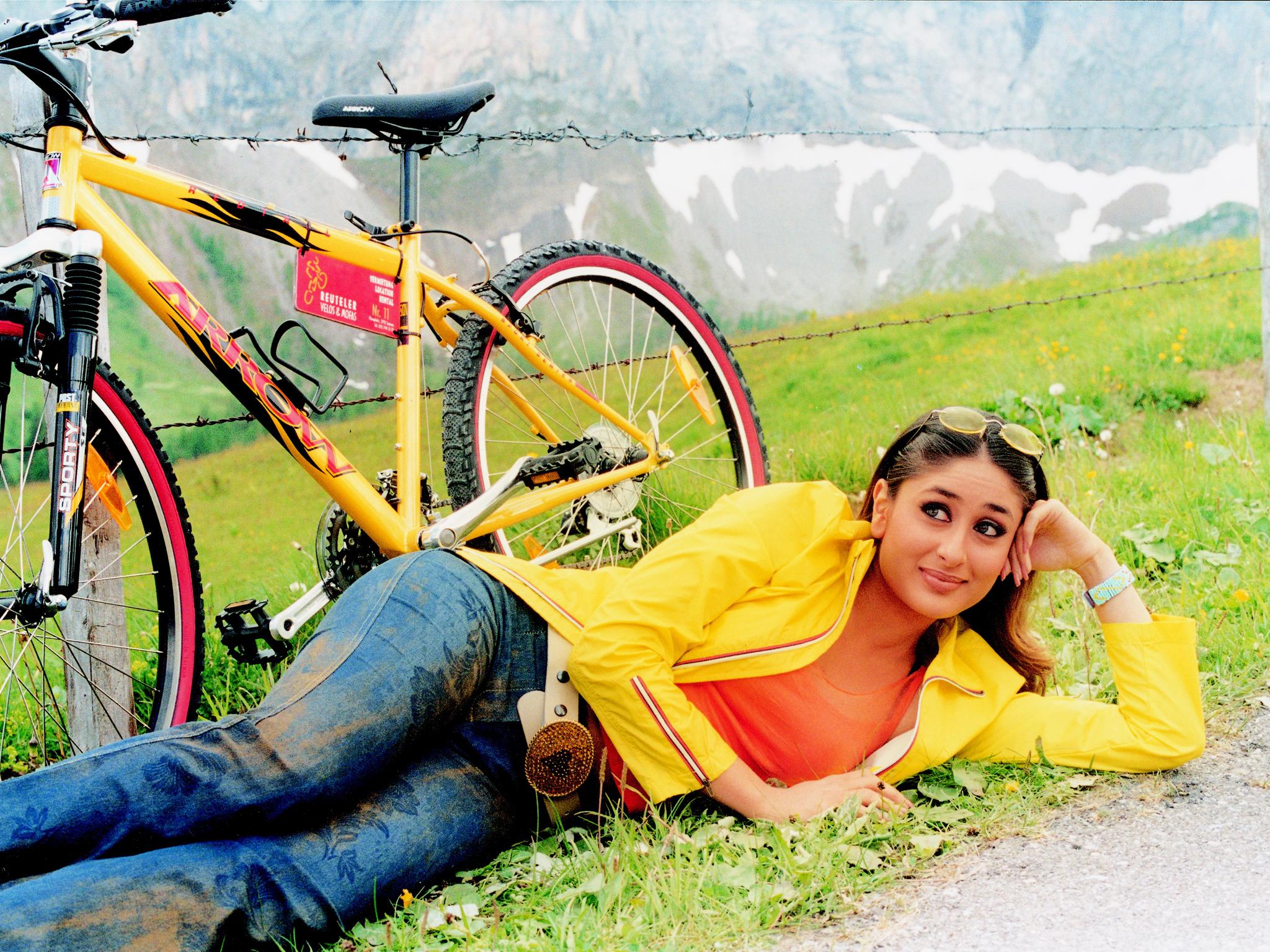 Style Evolution of Kareena Kapoor - Pre and Post Pregnancy - Mujhse Dosti Karoge