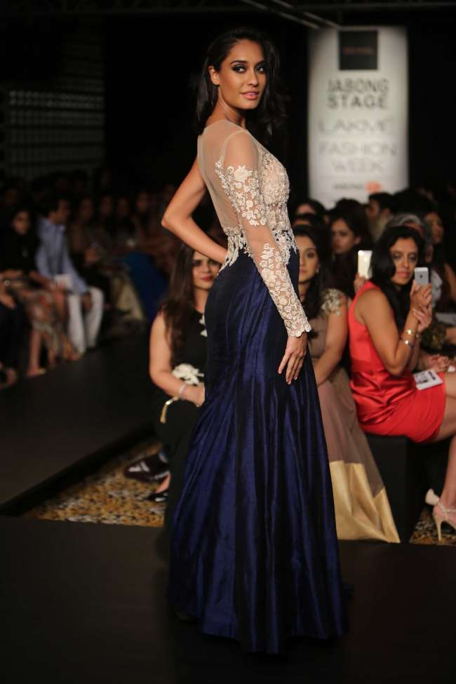 Petite Body Shape   Indian Wedding Dresses for your Body Shape