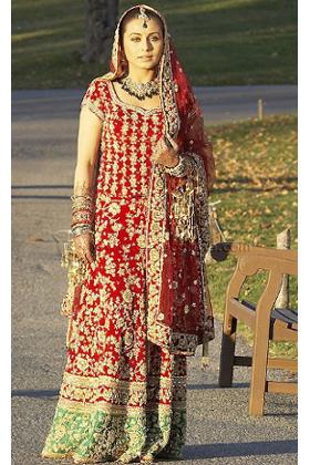 Rani Mukherji in Kabhi Alvida Na kehna   Iconic Indian Bridal Lehengas that Sparkled on the Silver Screen  