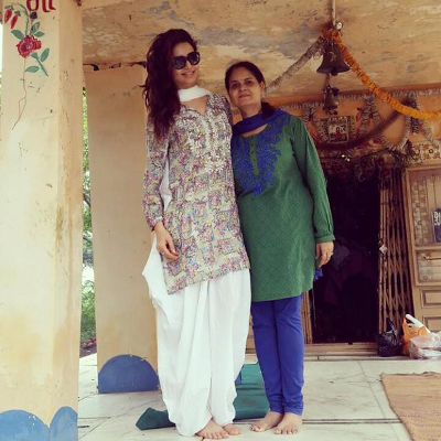 Bollywood Actress Karishma Tanna with her Mom | Unique Gift Ideas for Mother's Day