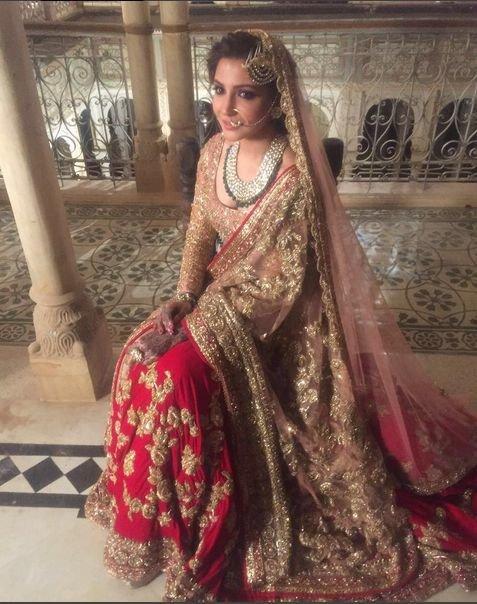 Anushka's bridal lehenga designed by Manish Malhotra in Ae Dil Hai Mushkil
