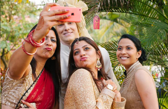 The selfie freaks at Indian weddings I 6 Types of People You Always Find At An Indian Wedding