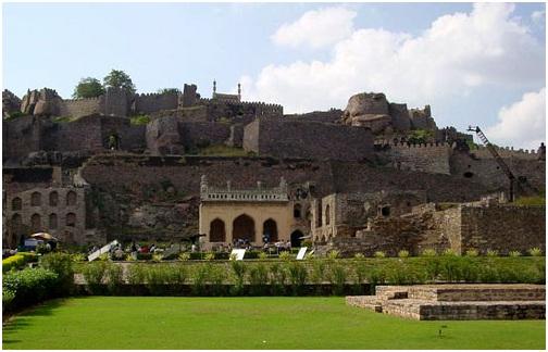 Telangana Places to Visit - Golconda Fort