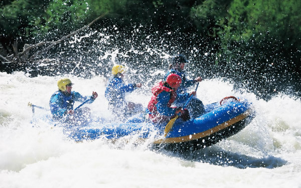 Perfect Gifts for a Romantic Valentines Day - Gift Experience Rafting