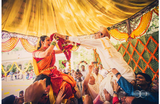 The Varmala or Garland Exchange Ritual   Spectacular Indian Wedding Traditions