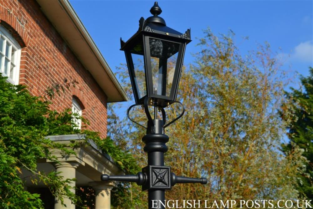 Cambridge Road Lamp Posts