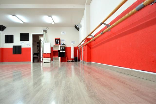 Sala polivalente para baile, ensayos, clases, charlas, etc..