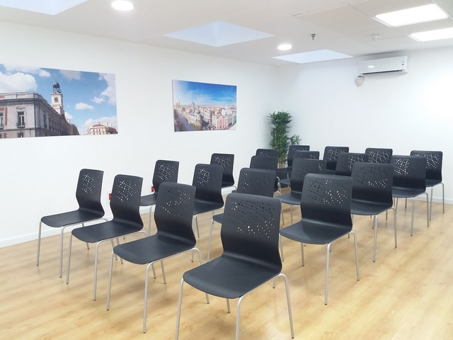 "Sala de Reuniones ""MADRID"" en La Moraleja"