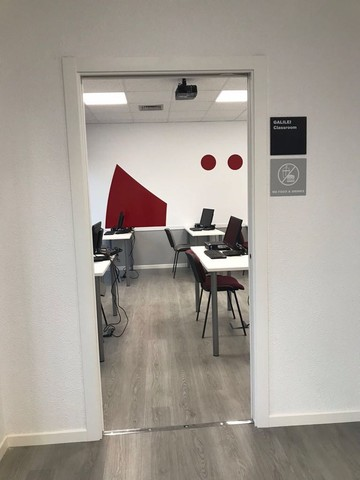 Sala de formacion con pizarra digital