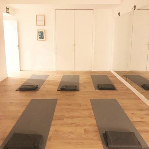 Sala actividades, clases, yoga...
