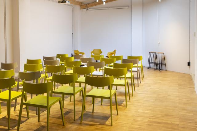 Sala Artesanos  (hasta 30 personas)