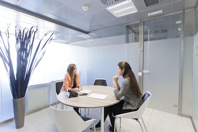 DIAGONAL 601 / Sala de reunión pequeña