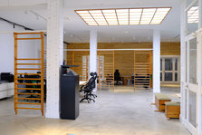 Mediaboxes copia de office desk coworking creative hub poble nou