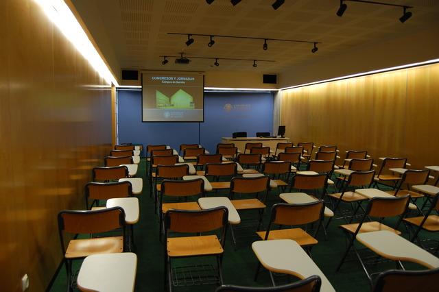 Sala de Conferencias 4