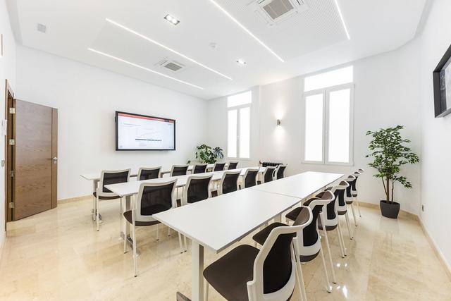 Atocha - Estación AVE / Sala de reuniones y aula de formación Miramar