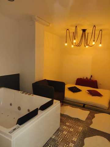 Sala con Futón y bañera