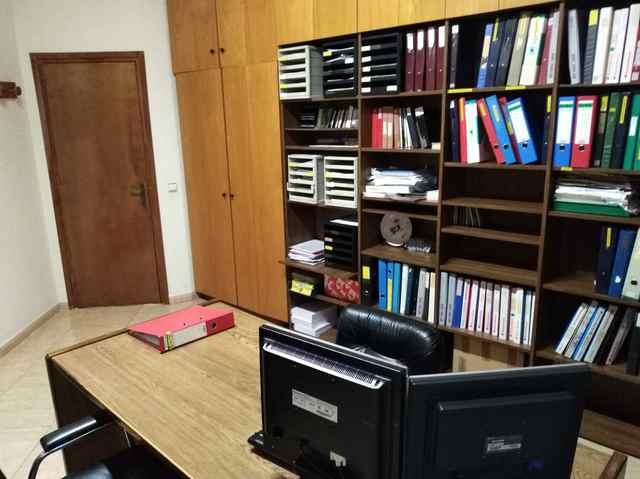 Despacho para 2 personas + invitados