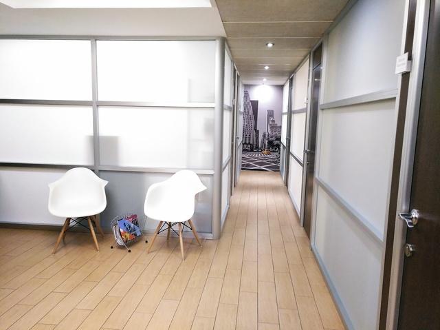 Despacho interior totalmente equipado