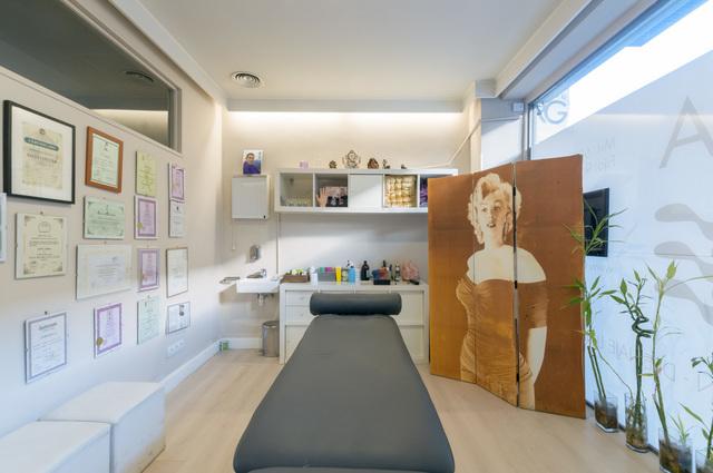 Alquiler sala de terapia Clínica RG para fisioterapeuta o esteticista