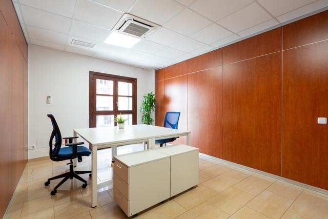 Oficinas Nidus Colom