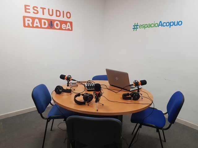 ESTUDIO DE RADIO EN CAMP REDÓ