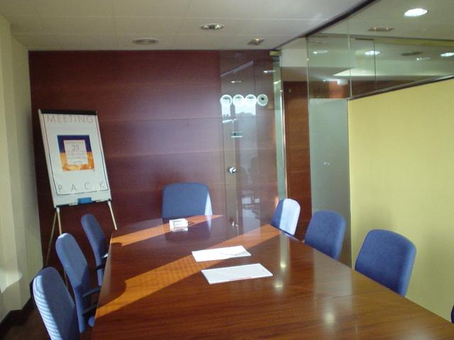 Alquila  despacho individual 1 ó 2 personas
