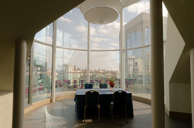 Alquila sala de reuniones y eventos mirador en madrid for Sala mirador