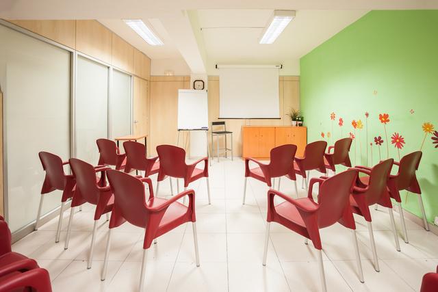 Sala de Conferencias y Formación Centrica y lugar bien comunicado