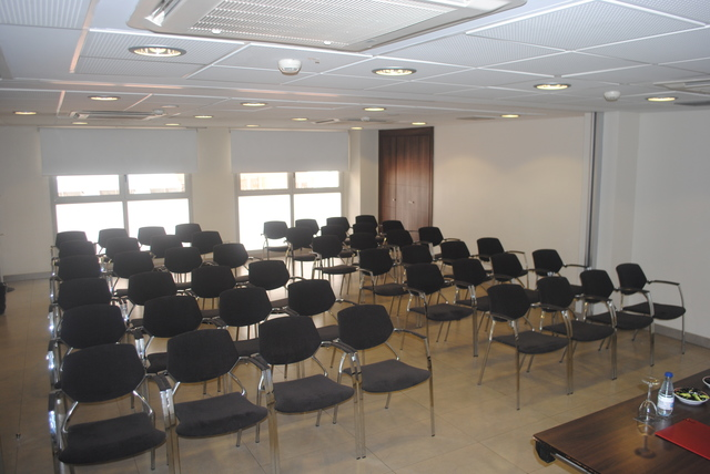 "Sala de Reuniones ""VIENA CAPELLANES"", exclusiva y en pleno centro de Madrid"