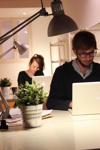 Mesa Dedicada/Puesto Coworking