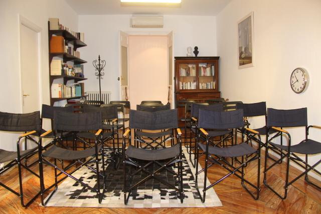 Sala para psicólogos, terapeutas, yoga