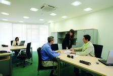 Mediaboxes cuatro en despacho grande