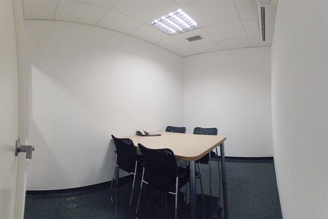 Sala para entrevistas junto a Sagrada Familia