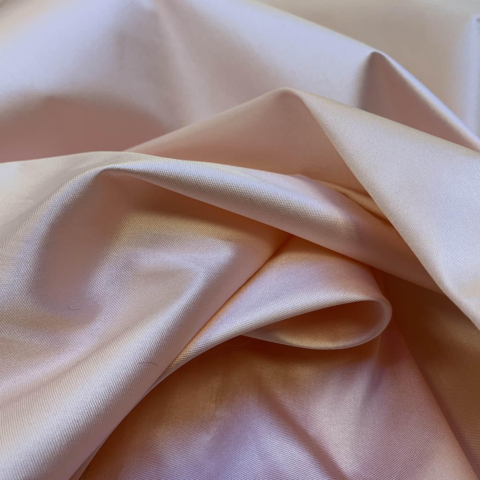 Stiff Silks