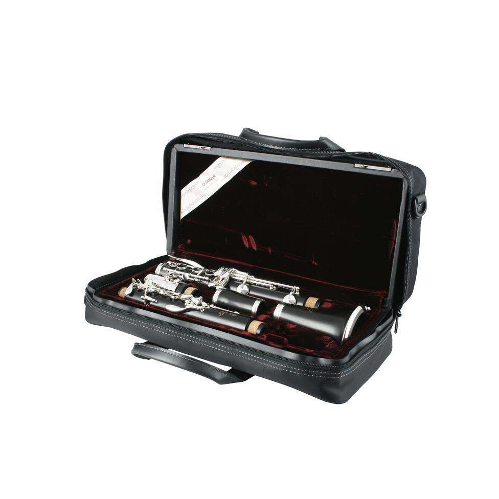 Yamaha YCL650 B flat clarinet