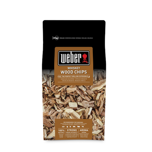 Weber Whisky Oak Wood Chips - 0.7kg Image 1