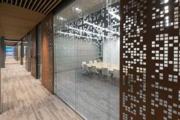 Metropolines 1: Stylish glass partitions to fit - Clestra Hauserman