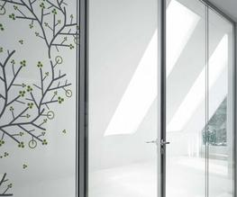 Baya: Lightweight glazing partitions to fit - Clestra Hauserman