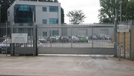 Manual Sliding Security Gates Up To 9.5m image