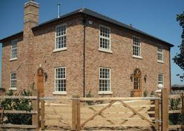 Old Farmhouse - Hoskins Brick Ltd