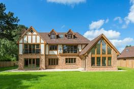 Old Farmhouse - Hoskins Brick Ltd