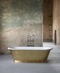The Tamar Cast Iron Skirted Bath Tub image