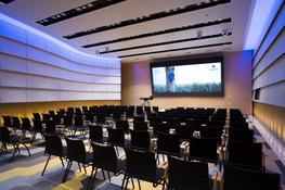 Atrium double focus - ERCO Lighting Ltd