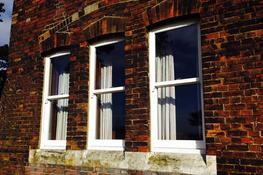 enfield-windows_upvc-sash-windows_photo_11_b8cf5950-39b6-4f31-8dc7-384147d6b17f.jpg