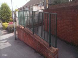 Pedestrian Parapet Guardrail (P4 Parapet) image
