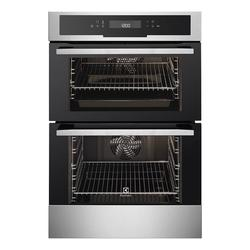 For complete flexibility with your cooking, the Electrolux EOD5720AAX built-in double oven is the perfect choice. Both cavities are multifunctional, meaning each one has a range of functions to choose from, so you can pick the perfect one for your dish. UltraF...
