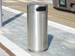 Round Closed Top Timber Litter Bin image
