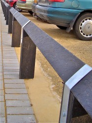 Birdsmouth Galvanised Post Strap   Birdsmouth (V-Top) Fencing - Kedel Limited